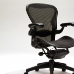 Simple tips for a Better Freelance Business | SIt Pretty - set up your workspace ergonomically